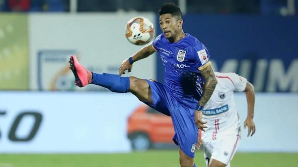 Mumbai march on as top four finish seems within sight