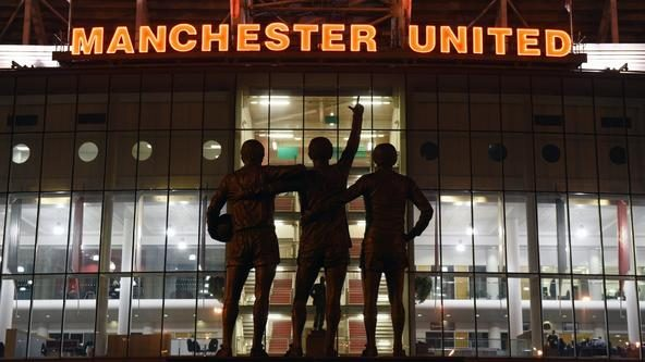 Man United to refund tickets if season abandoned or finished behind closed doors